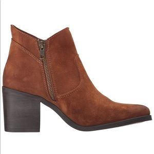 Steve Madden ankle bootie NEW